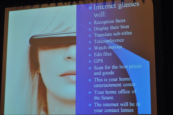 Photo explaining what Internet glasses will do
